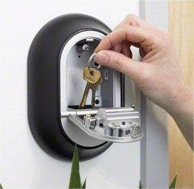 locksmith penicuik key safe